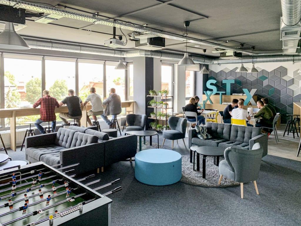 Wnętrza biura software house'u STX NEXT