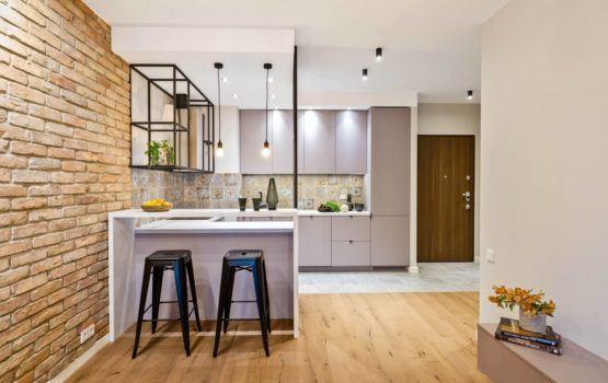 Apartament w stylu soft industrialnym w sercu Warszawy