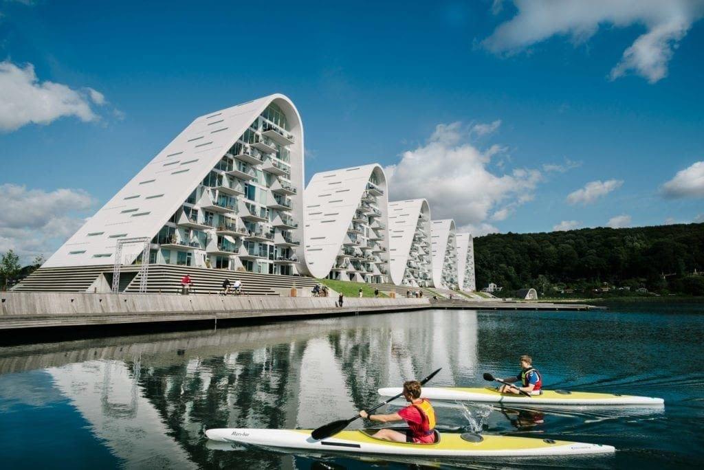 Boelgen the Wave apartamenty projektu Henning Larsen Studio