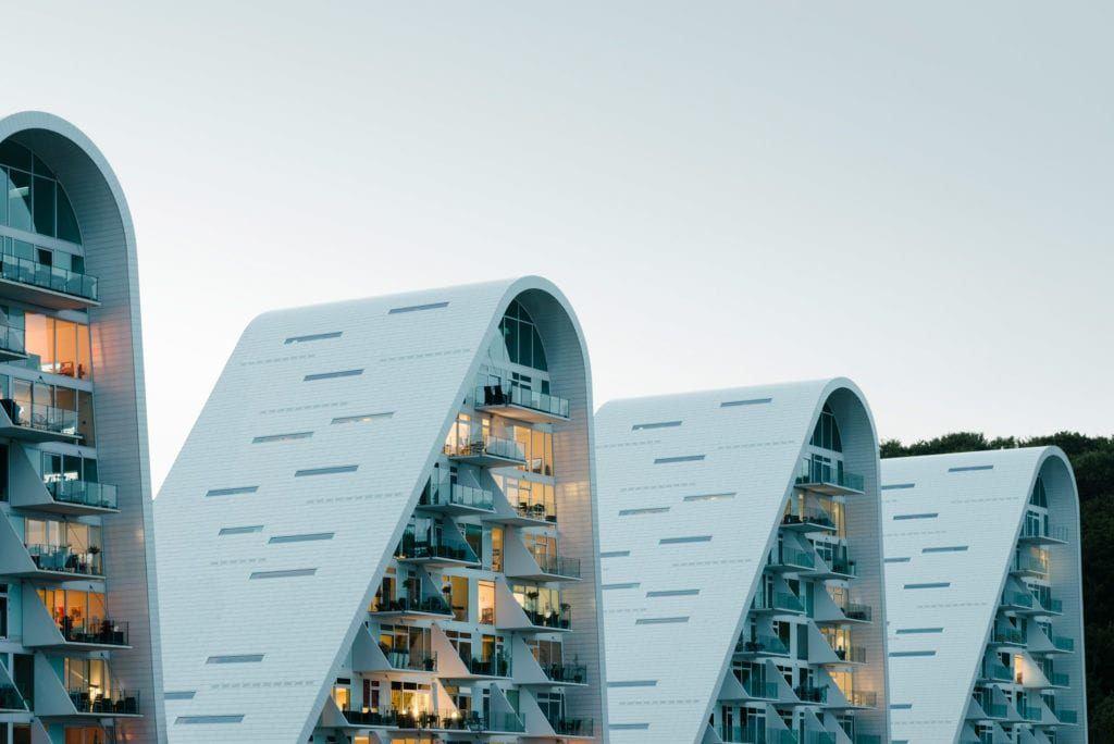 Dach Boelgen the Wave apartamenty projektu Henning Larsen Studio