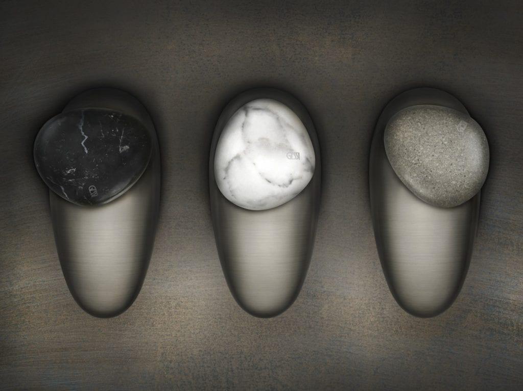 Designerska armatura Gessi z serii Equilibrio inspirowana pięknem natury - trzy baterie obok siebie
