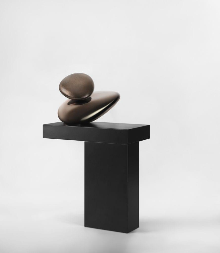 Designerska armatura Gessi z serii Equilibrio inspirowana pięknem natury - bateria w kształcie kamienia