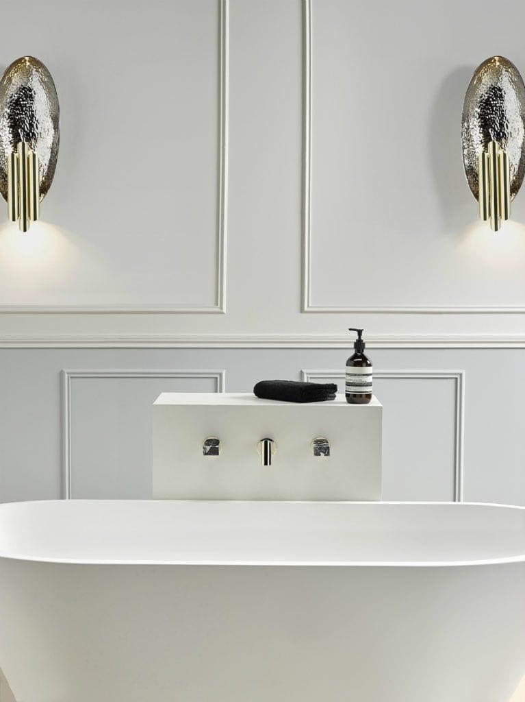 Designerska armatura marki THG Paris - armatura w łazience z marmuru
