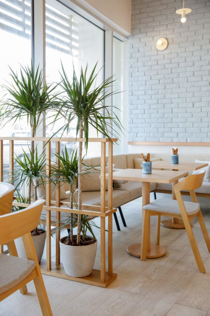 Wnętrze kawiarnia Bagel Yard Cafe w Dubaju