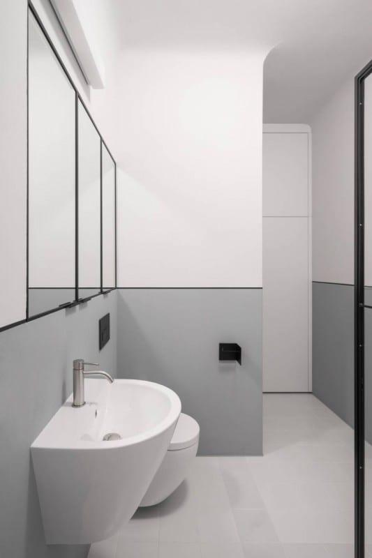 Biało-szara łazienka projektu Loft Kolasiński