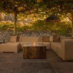 Sofa na tarasie i spieki kwarcowe