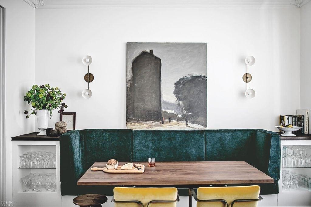 Obraz wiszący na ścianie w apartamencie projektu Studio JeanCharlesTomas