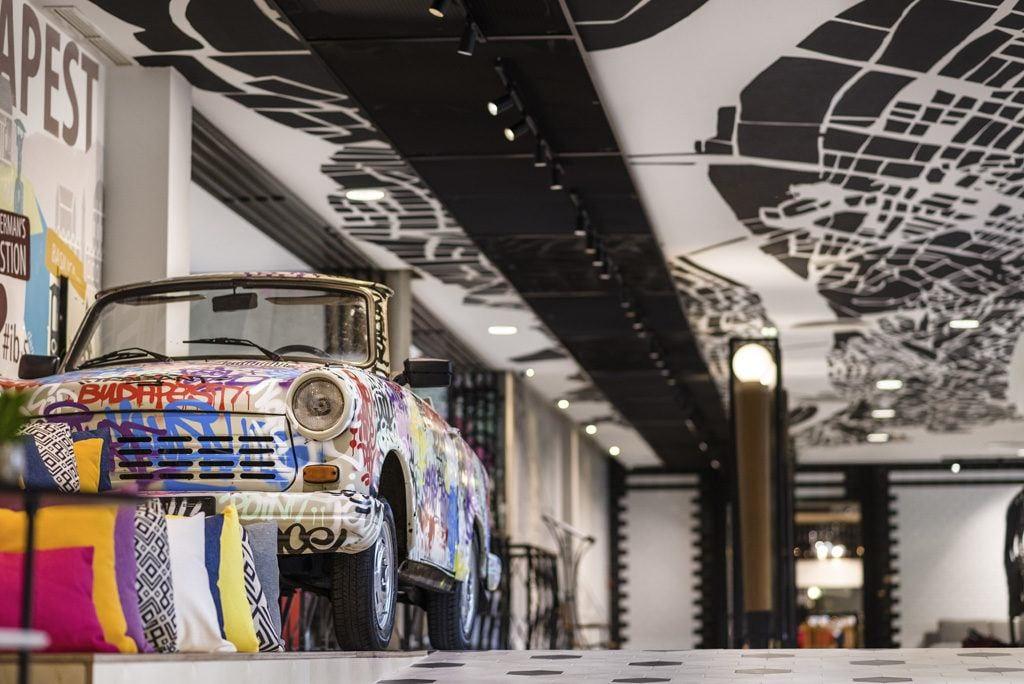 Trabant w hotelu Mercure Budapest Buda po renowacji pracowni Tremend