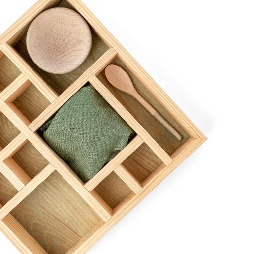 Drewniany organizer na kosmetyki Harmony Set od marki Happy Pine