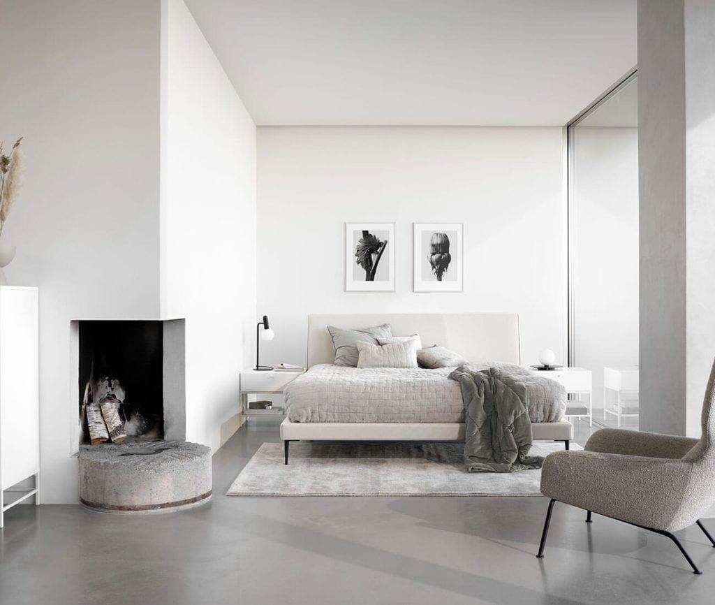 Biała sofa od BoConcept