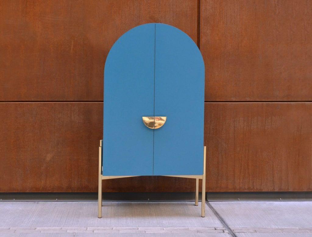 Niebieska geometryczna komoda Studio Punca