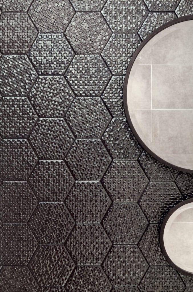 Ciemne płytki ceramiczne z kolekcji Terraform - Grupa Tubądzin