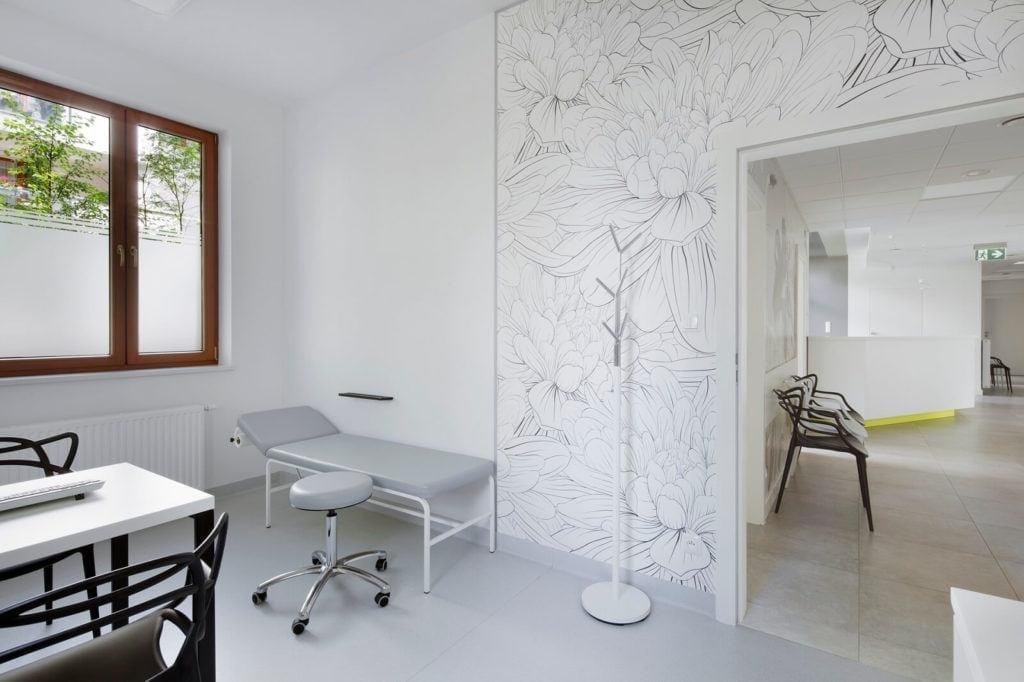 Ściana w gabinecie projektu Agata Frątczak Marta Drzymała studia MADAMA