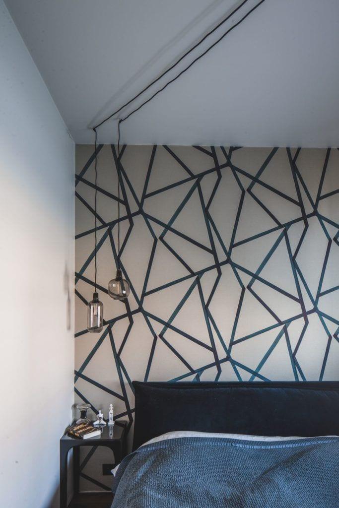 Przytulny apartament na Żoliborzu - tapeta na ścianie w sypialni