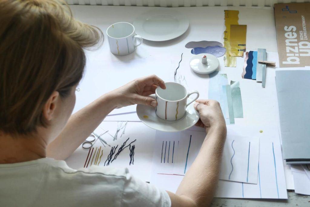 Kolekcja JAZZ projektu Olgi Milczyńskiej dla Porcelanowa - autorka pracująca nad kolekcją