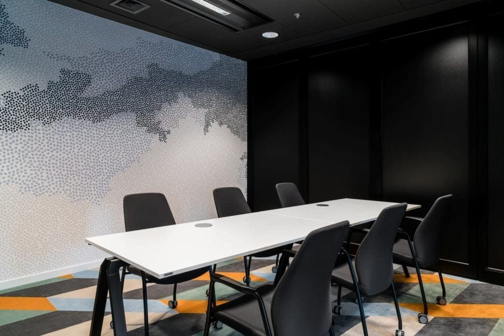 Sala konferencyjna w biurze Orbis i Accor