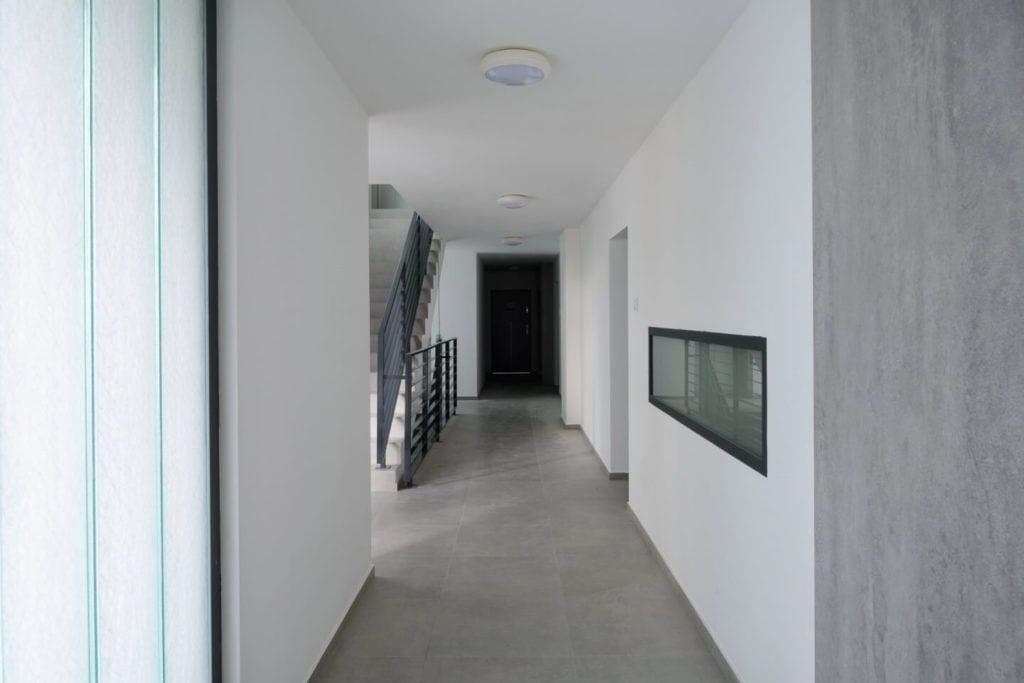 Apartamentowce Złota 19 - funkcjonalna abstrakcja projektu Zalewski Architecture Group