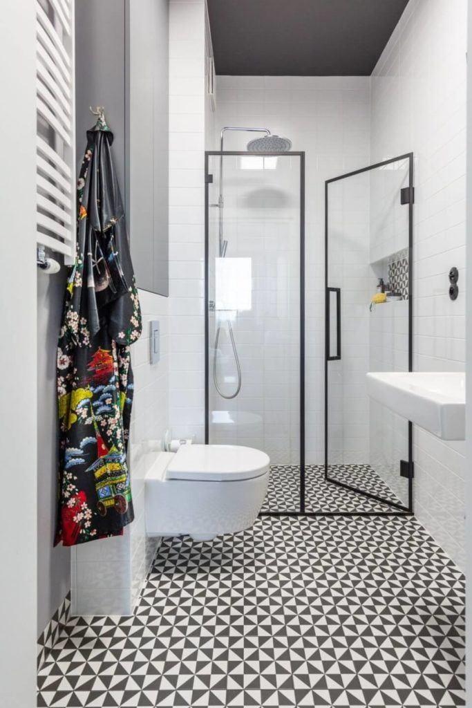 Decoroom i apartament na Bemowie z hygge w tle - łazienka z kabiną prysznicową