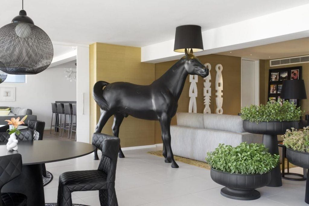 Horse Lamp od Moooi - Lampa podłogowa Horse - projekt Front Sofia Lagerkvist i Anna Lindgren