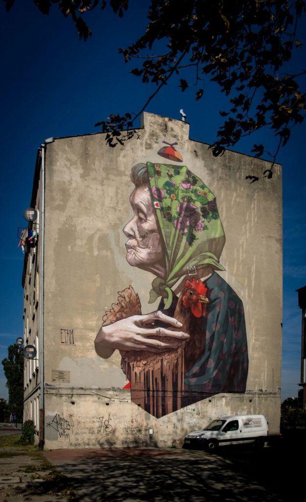 Murale czyli piękny romans sztuki z miastem - ETAM CREW - Madame Chicken - 2012 - photo from the Urban Forms Archiv