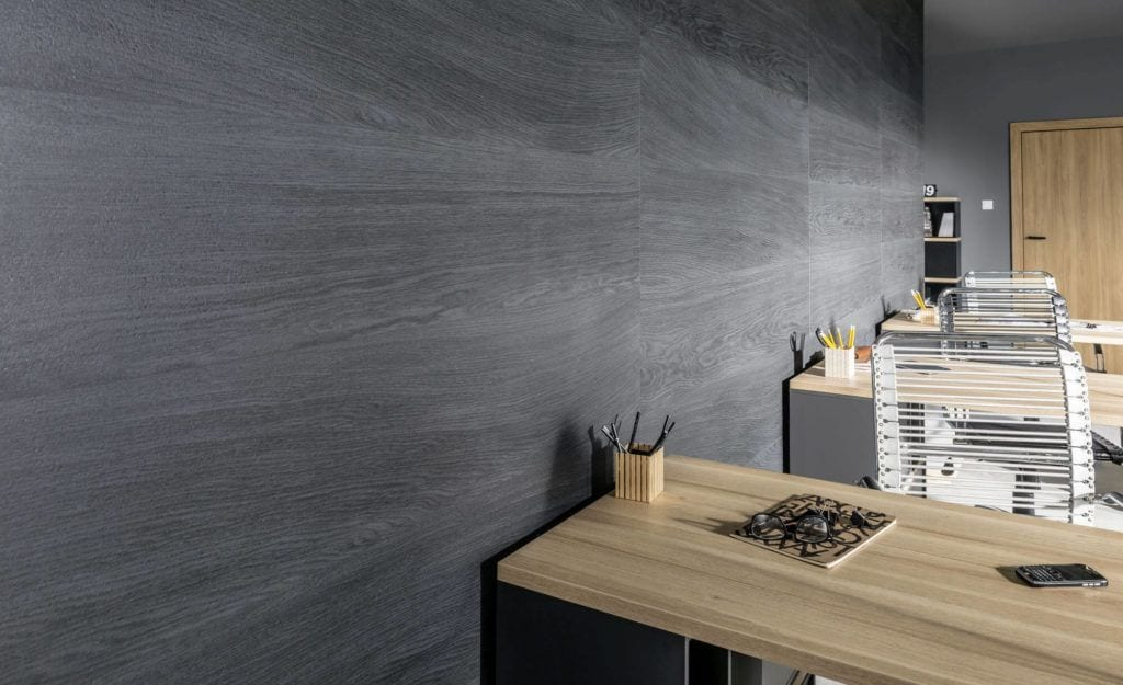 Produkty marki VOX do przestrzeni biurowych - Kerradeco Wood Carbon