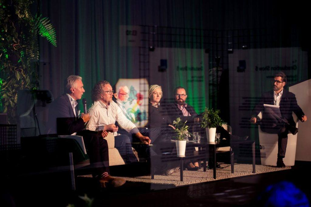 Relacja z archiDAY 2019 na targach Warsaw Home 2019 - Debata o biurach przyszłości