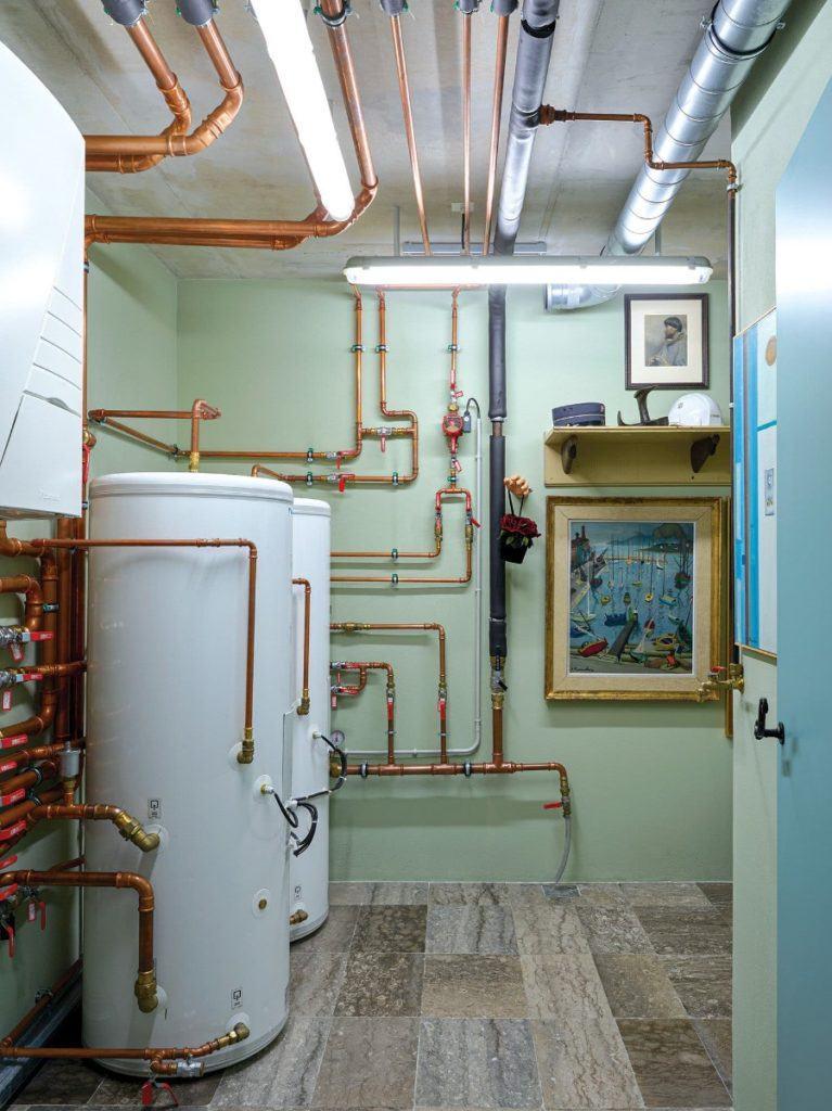 Tom Dixon i jego projekt domu Cactus Dorée - instalacja w piwnicy