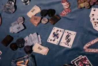 Węże i Magnolie – karty do gry Jagny Wróblewskiej