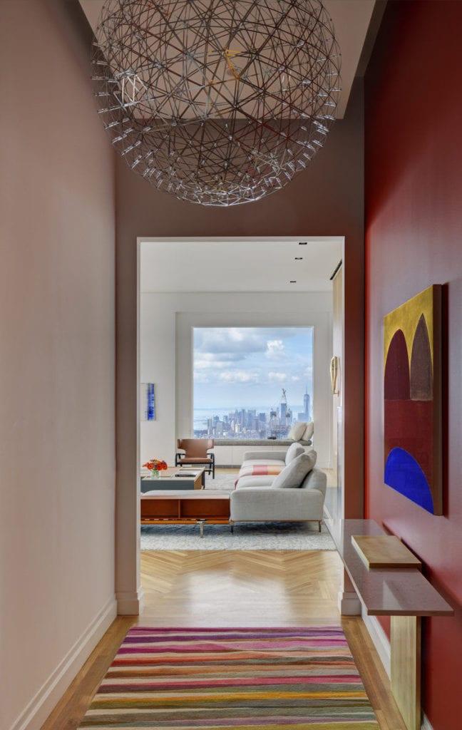 Apartament przy 432 Park Avenue w Nowym Yorku projekt John Beckmann - Axis Mundi - widok na salon