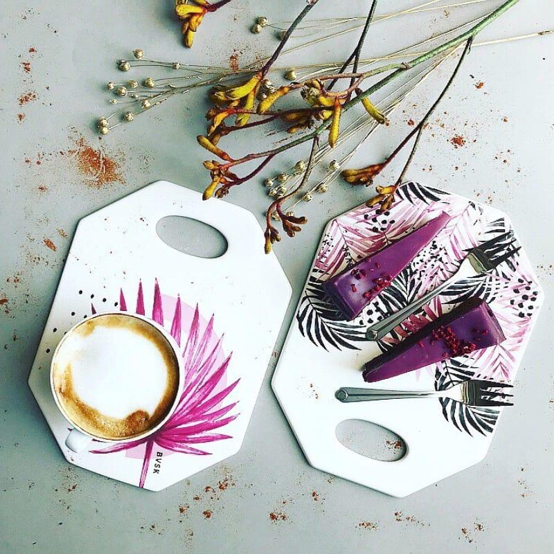 BVSK: ręcznie wyrabiane deski ceramiczne - Julia Boguslavskaya - Kaja-Dutka - Magenta-Palms-Smoked-Pink-plndesign