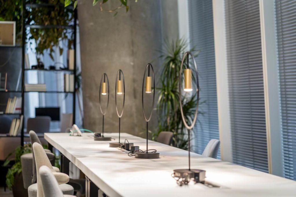 Biuro RBL_ - projekt Studio Robert Majkut Design dla Alior Bank - duży stół