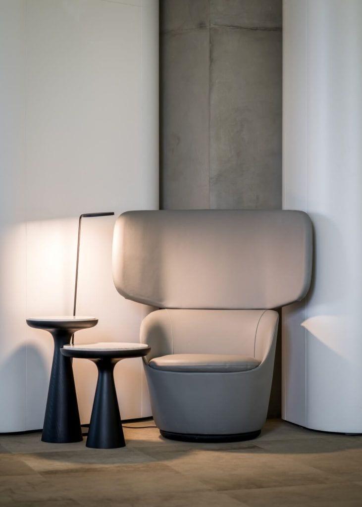 Biuro RBL_ - projekt Studio Robert Majkut Design dla Alior Bank - duży fotel