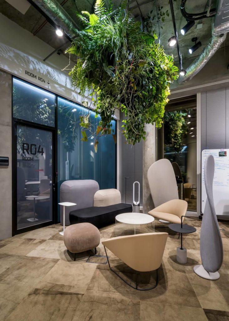 Biuro RBL_ - projekt Studio Robert Majkut Design dla Alior Bank - fotele, sofy, taborety