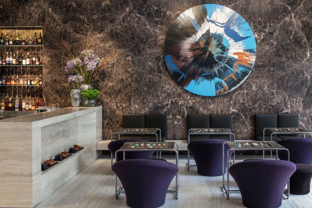 John Pawson i projekt Jaffa Hotel Residences - zdjęcia Amit Geron - dekoracja na ścianie