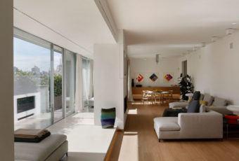 Mediolański apartament z lat 50-tych projektu Mattia Vittori