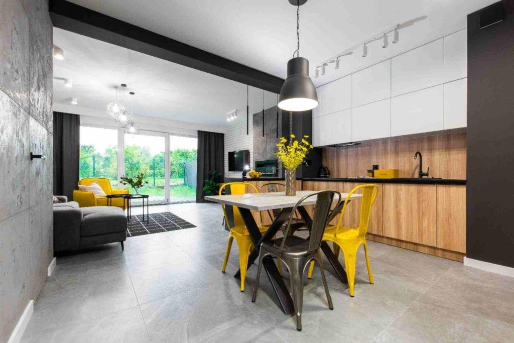 Pracownia Dobry Układ Sandra Białkowska i apartament w stylu soft loft - jadalnia połączona z salonem