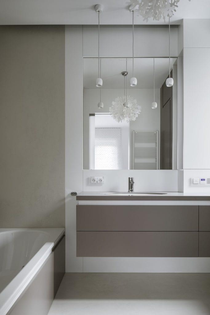 Pracownia Inter-Arch Architekci i luksusowa rezydencja w Wilanowie - łazienka w apartamencie