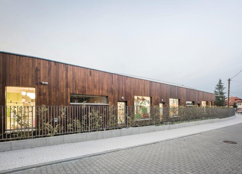 Przedszkole w Żorach projektu pracowni Toprojekt - front przedszkola