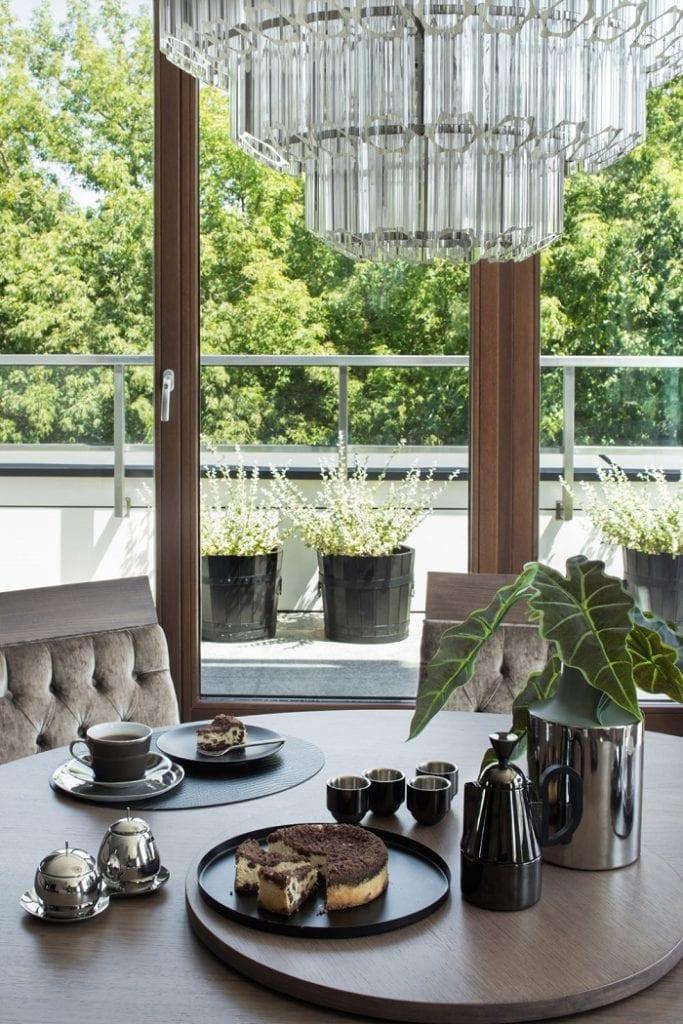 Roland Stańczyk RS Studio Projektowe i luksusowy apartament w sercu Warszawy - widok z salonu