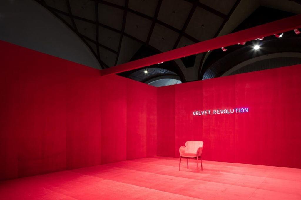 TON i wystawa Velvet Revolution na Designblok 2019