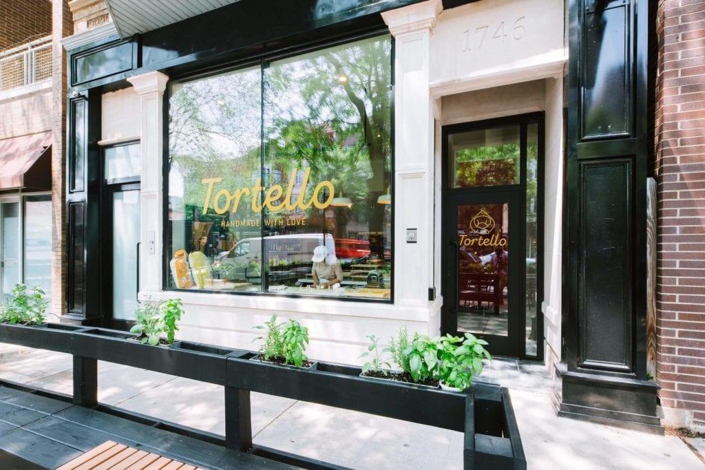 Tortello - sklep w Chicago projektu Siren Betty Design - witryna sklepu Tortello