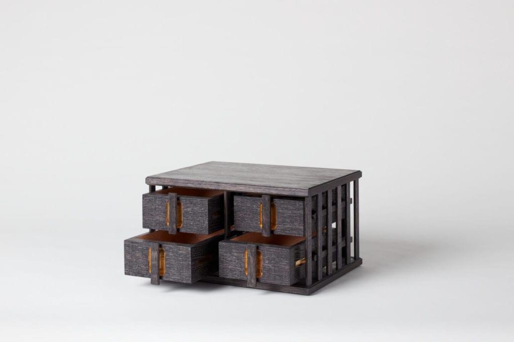 Wystarczą dwie deski czerwonego dębu - projekt AHEC i Rycotewood Furniture - Alec Brown
