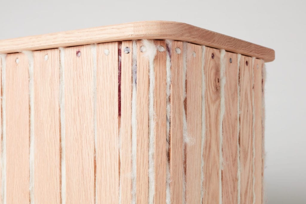 Wystarczą dwie deski czerwonego dębu - projekt AHEC i Rycotewood Furniture - Jenna Eves