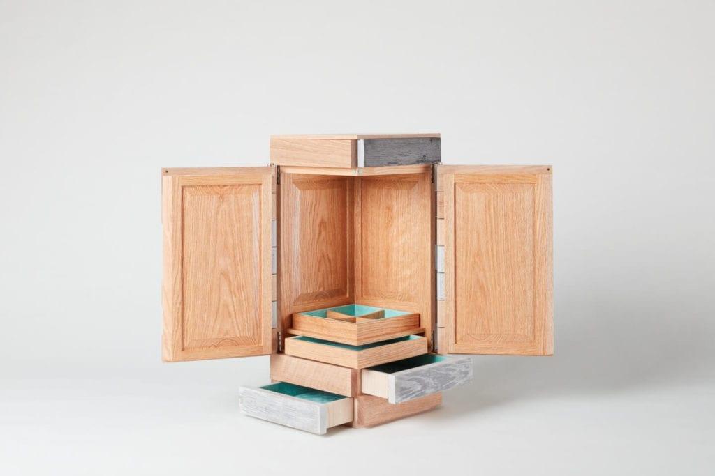 Wystarczą dwie deski czerwonego dębu - projekt AHEC i Rycotewood Furniture - Nick Wright