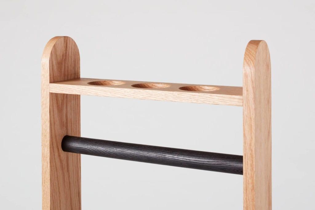 Wystarczą dwie deski czerwonego dębu - projekt AHEC i Rycotewood Furniture - Will Neale