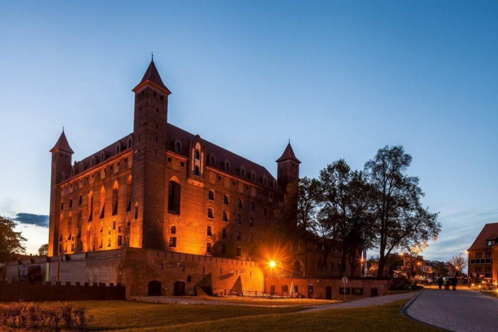 Hotel Zamek Gniew - hotel, apartamenty, restauracja, basen, SPA