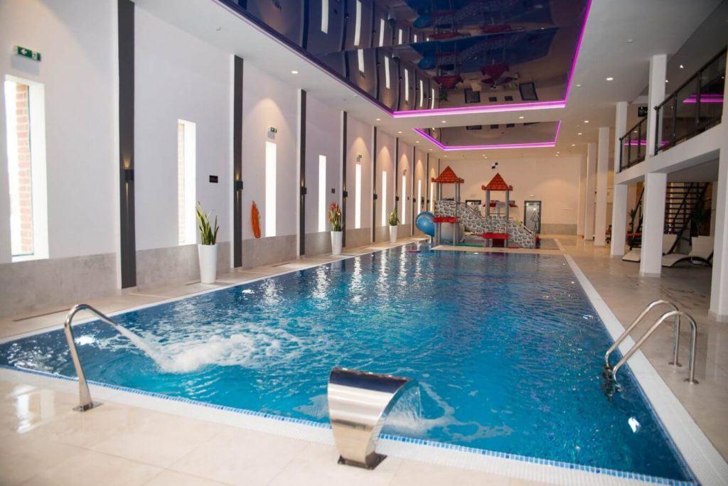 Hotel Zamek Gniew - hotel, apartamenty, restauracja, basen, SPA - basen w hotelu