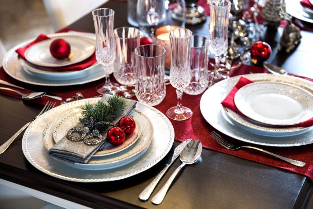 Jak zaaranżować elegancki stół wigilijny - porady, inspiracje
