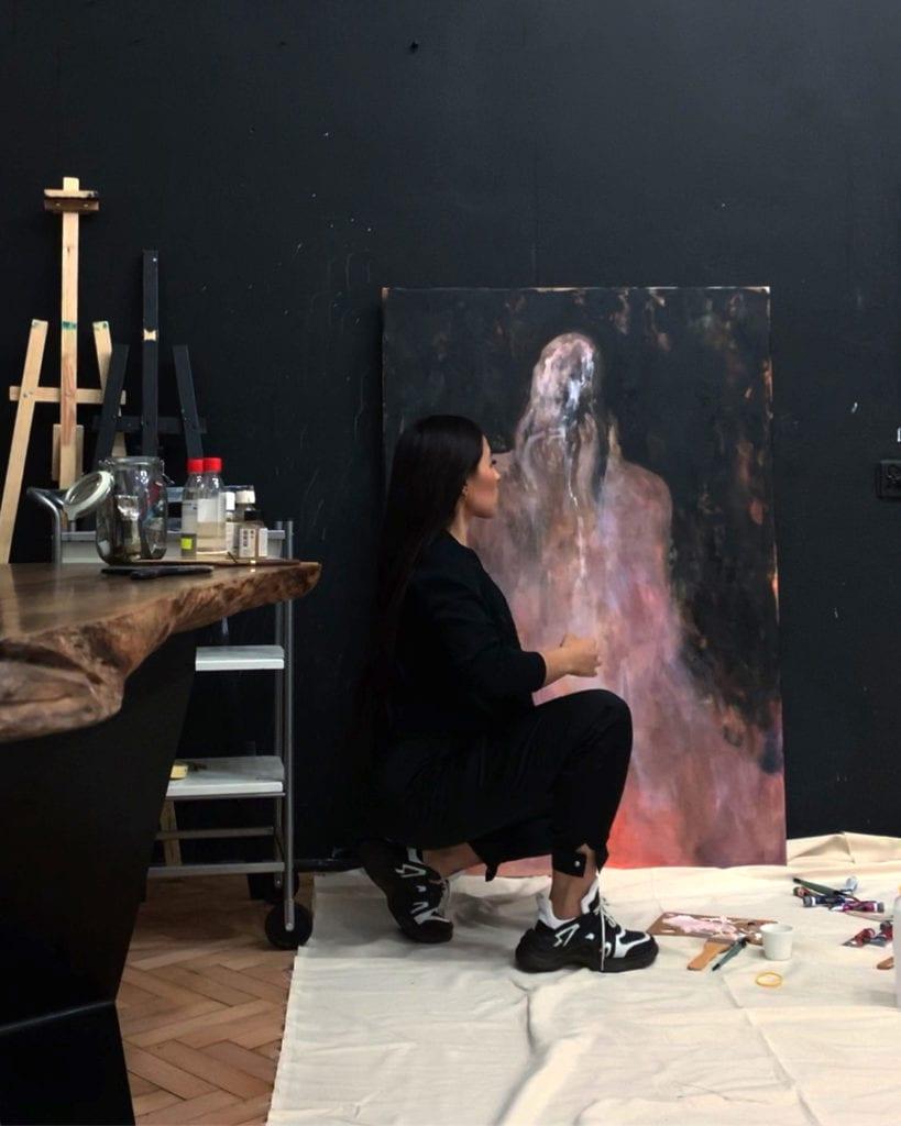 Lia Kimura i jej pracownia w starej kamienicy przy ulicy Brackiej 3 w warszawskiej kamienicy Józefa Skibińskiego