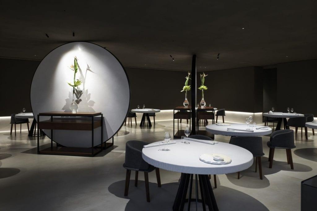 Część restauracyjna w restauracji Bolle projektu Marco Acerbis Studio